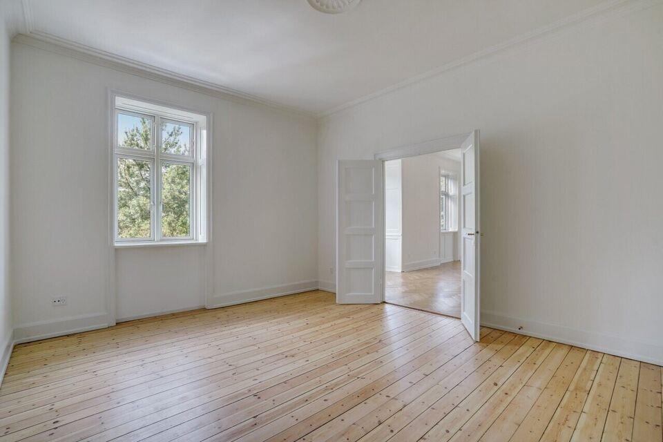 2000 vær. 4 lejlighed, m2 129, Dalgas Boulevard