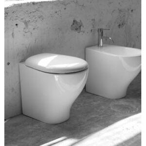 Vaso-Wc-bagno-da-terra-modello-Fly-in-ceramica-bianco