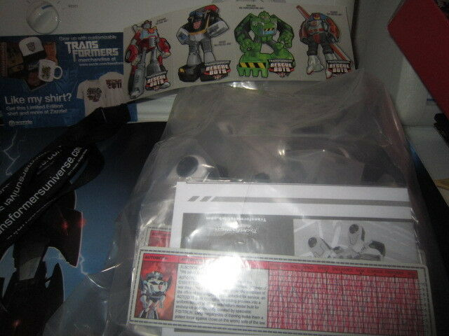 Transformers Botcon 2011 Exclusive Autotrooper + Bonus