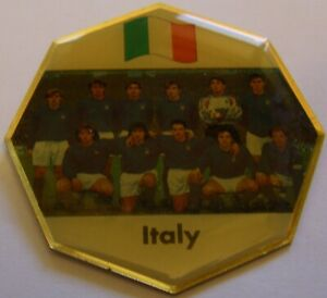 WORLD-CUP-94-USA-SOCCER-ITALY-TEAM-PICTURE-FIFA-FOOTBALL-vintage-pin-badge-Z8J