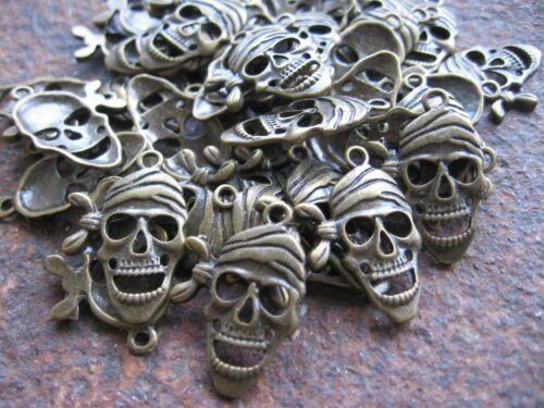 100 x Totenkopf Pirat Skelett Anhänger Schmuckherstellung Basteln Surferschmuck
