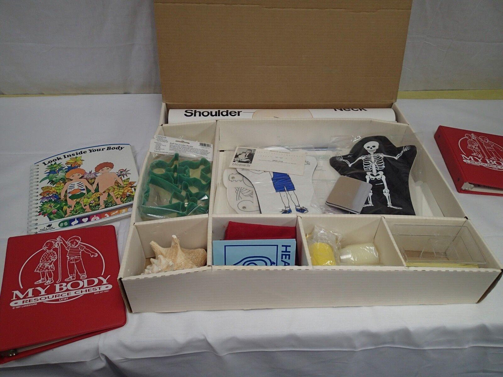 Entrega gratuita y rápida disponible. Lakeshore Todo sobre mi cuerpo eduCoche en casa Kit de de de aprendizaje educativo enormes libros tarjetas  disfrutando de sus compras