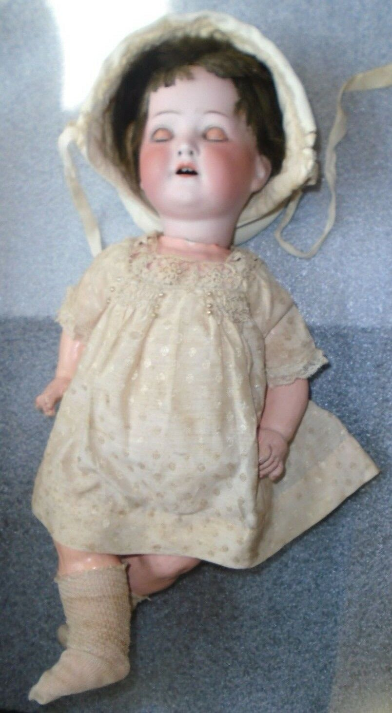 Fine old bisque head Heubach Koppelsdorf German sleep eye doll