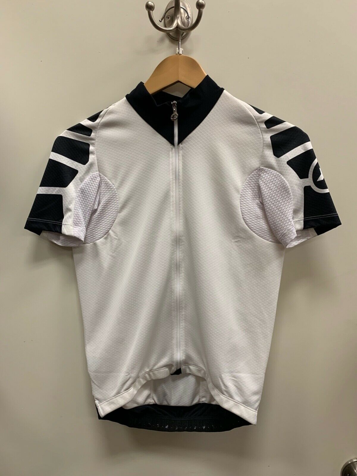 NEW  Assos SS.UNO_S7 short sleeve jersey White Small  order now with big discount & free delivery