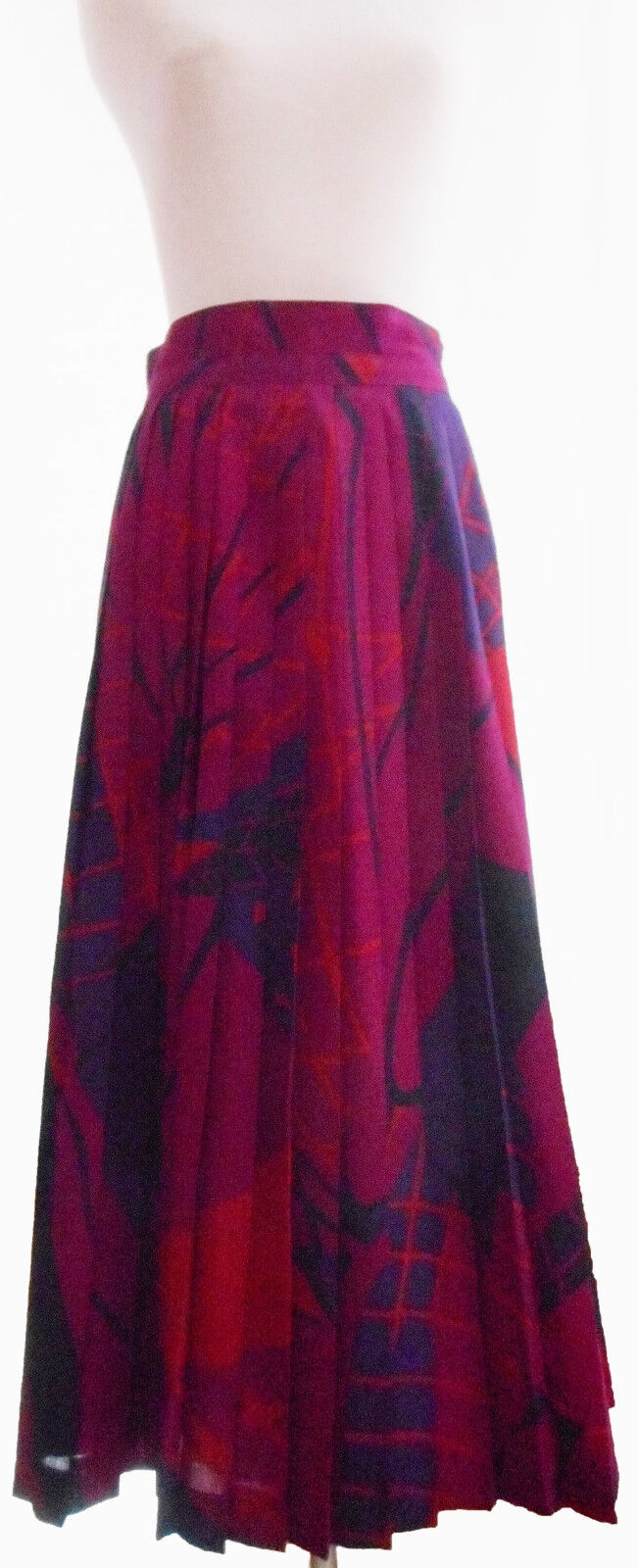 Bruestle pleated skirt, 100% wool, Geometric, Long, red shades, size 38 (S M)