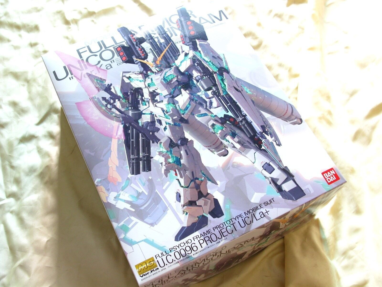 Bandai 1  100 MG 149 RX -0 Hel Armor Unicorn Gundam Ver.Ka