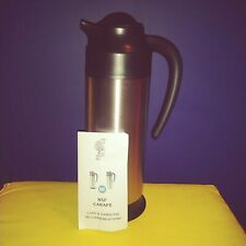 0.7 L Brushed Stainless//Black NSF 23.7 oz. Service Ideas SSN70 SteelVac Carafe
