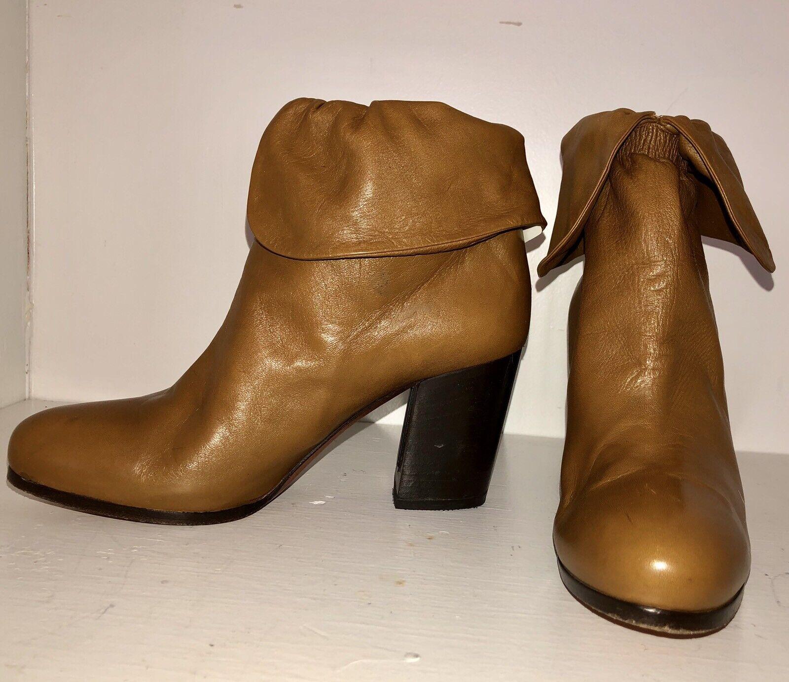Designer Vanessa Bruno à la cheville bottes italienne Italie 38 7.5 8 en cuir souple