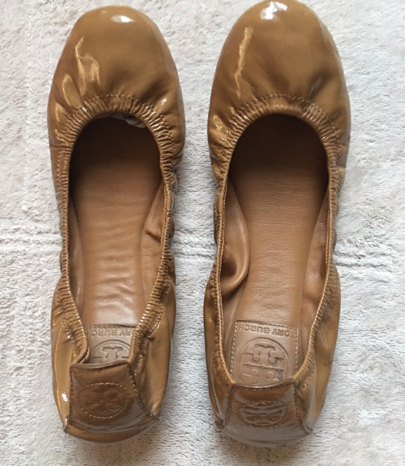 Trina Turk Women's Ballet Flat shoes, Size 6 1 2, Tan, Beige, Taupe, Curved, EUC