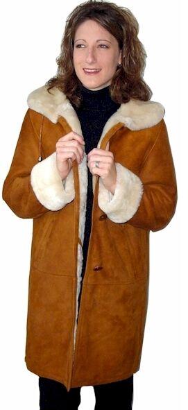 3 4 Spanish Merino Shearling coat w  hood, size medium
