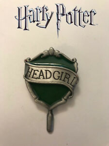 Hogwarts-Headgirl-Pin-Slytherin-House-Universal-Wizarding-World-Harry-Potter