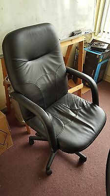 65 Off Staples Big Tall Leather Swivel Chair With Arm Black Office Chair Ebay