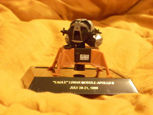 """NEW IN PACKAGE ERTL #2303 DIECAST LUNAR MODULE /""""EAGLE/"""" FROM APOLLO 11,"""