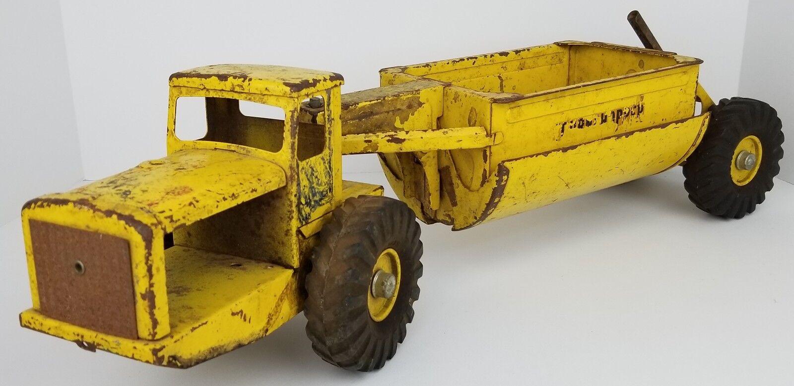 Vintage NYLINT JAUNE Pressé Acier tournahopper Belly Benne Tracteur effet vieilli