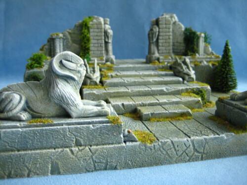Pair of Oracle Statues Unpainted Ceramic Thomarillion Terrain Dwarven Forge D/&D