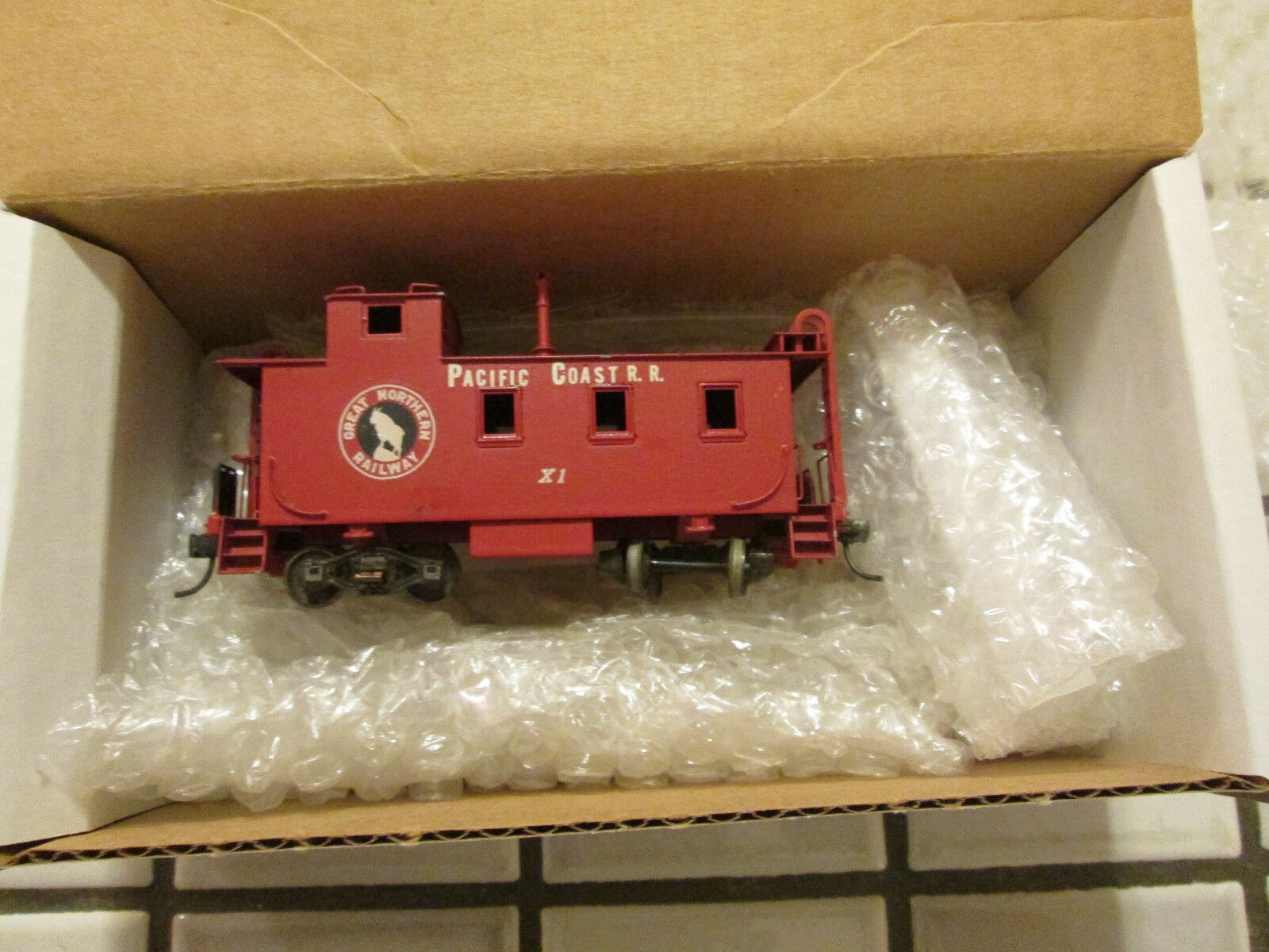 PACIFIC COAST-GREAT NORTHERN brass caboose car HO scale