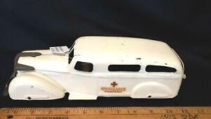 1936-39-WYANDOTTE-Ambulance-Pressed-Steel-Fantastic-Original-Condition