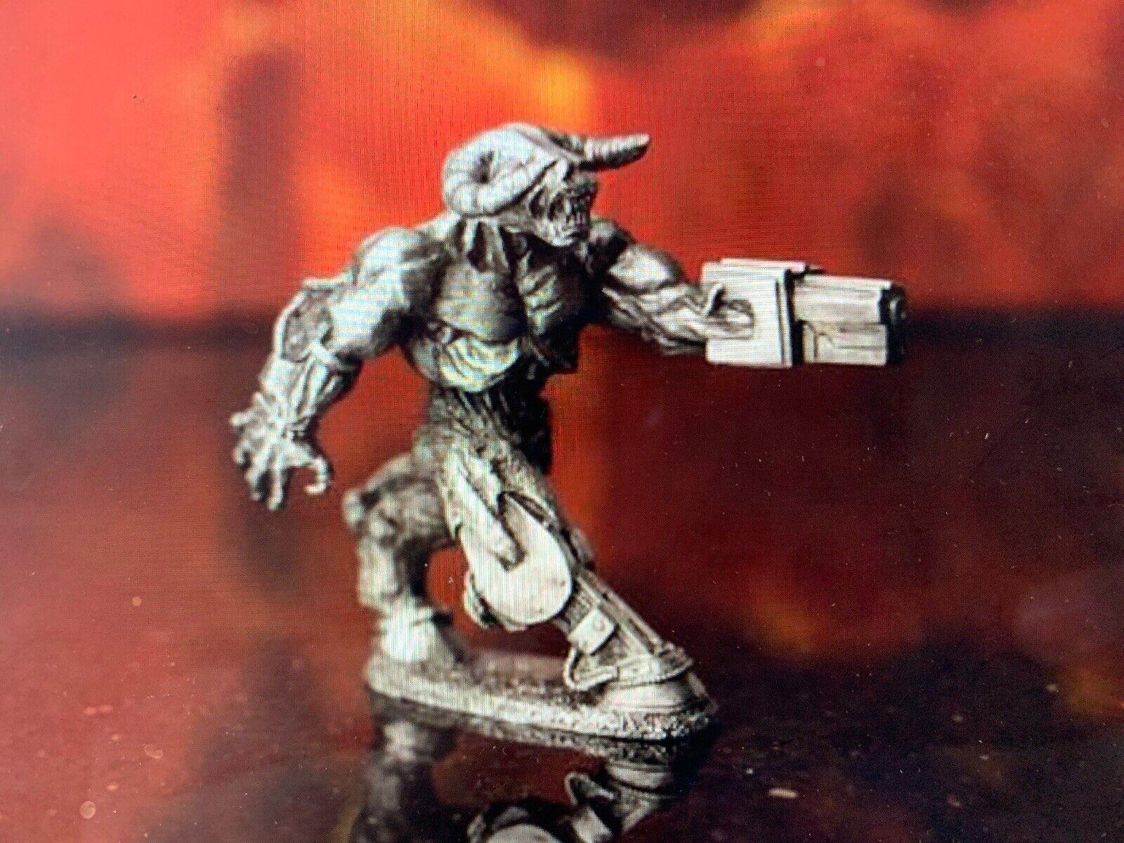 Doom Reaper Reaper Reaper Cyber Demon Miniature Lead Free Pewter Figure LOOSE - NEW Bethesda 1595de