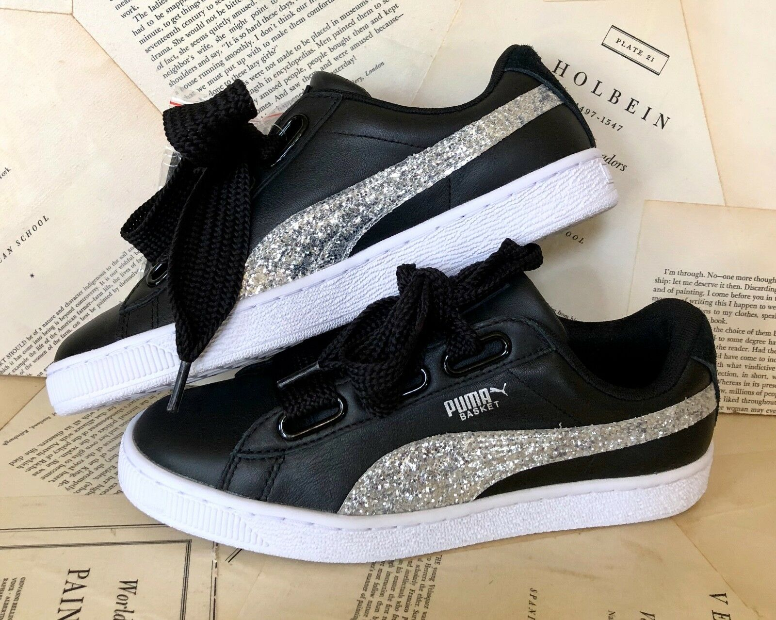 NEU Urban Outfitters Puma schwarz Leder Silver Logo Lace Sneakers 39 / 8.5