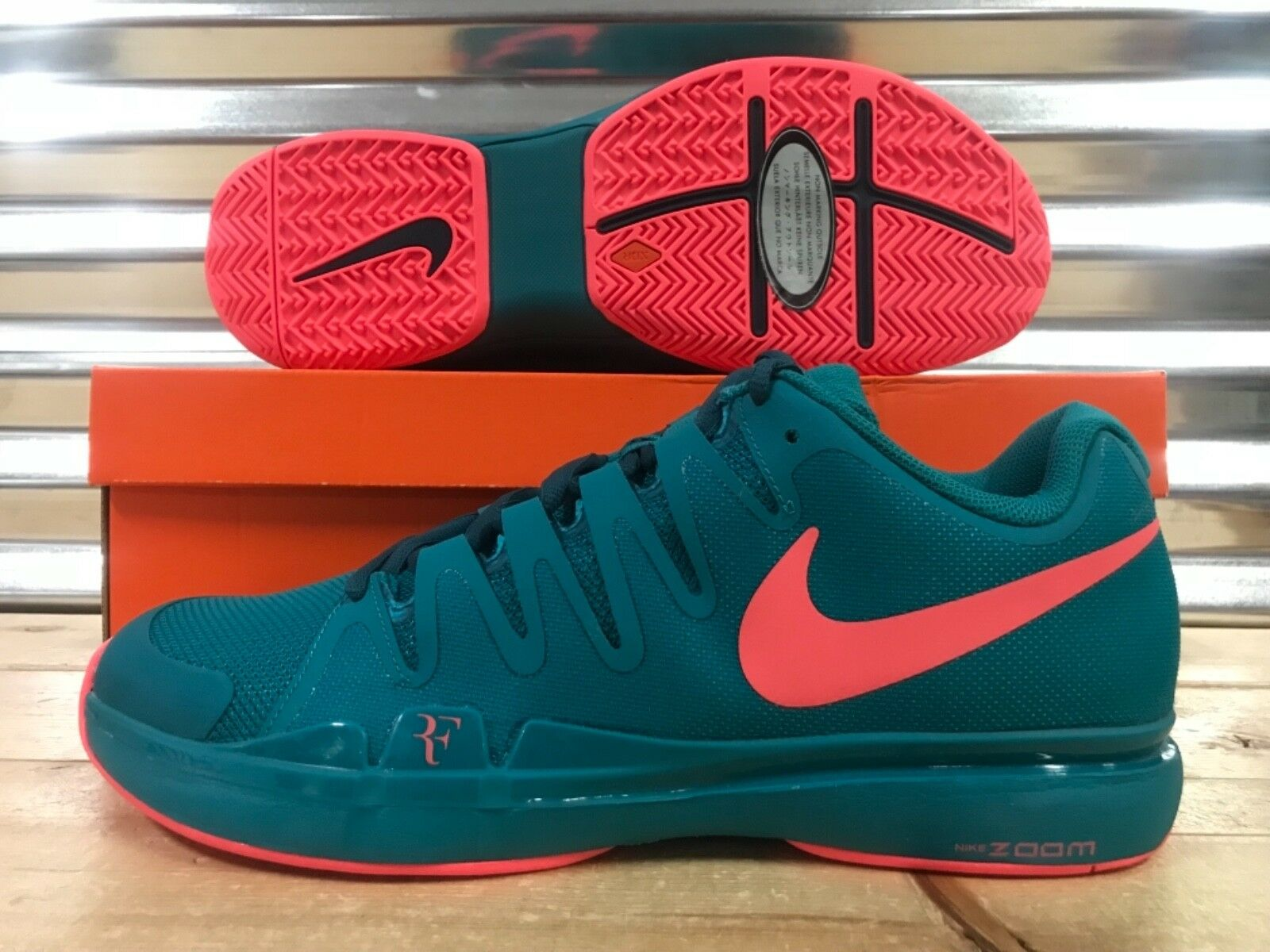 Nike Zoom Vapor 9.5 Tour LG Federer Tennis shoes Emerald Lava SZ ( 813025-300 )