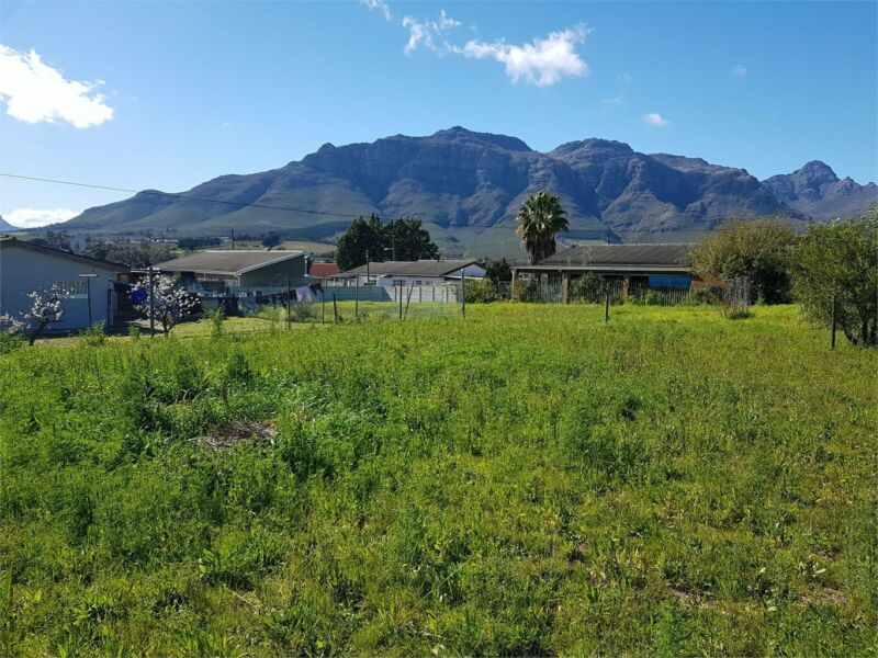 Prime Located Vacant Plot With Mountain Views For Sale In Jamestown