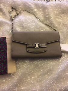 8ed4a19391ea NWT  295 TORY BURCH GEMINI LINK French Gray CLUTCH Shoulder Handbag ...