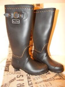 Pour-La-Victorie-Tall-Black-Studded-Ted-Rubber-Rain-Boots-39-299-MSRP