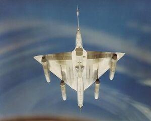 UNDERSIDE-OF-CONVAIR-B-58-HUSTLER-BOMBER-8x10-SILVER-HALIDE-PHOTO-PRINT