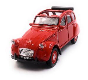 Citroen-2CV-Modele-en-Rouge-Cabriolet-Ouverte-Masstab-1-3-4-Licence