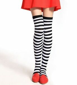 Chaussettes-hautes-montantes-rayees-rayures-noires-et-blanches-horizontales