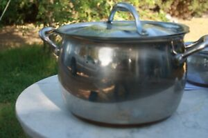 Kirkland-signature-made-in-Italy-8-quart-Stockpot-Copper-Core-Clad-Stainless