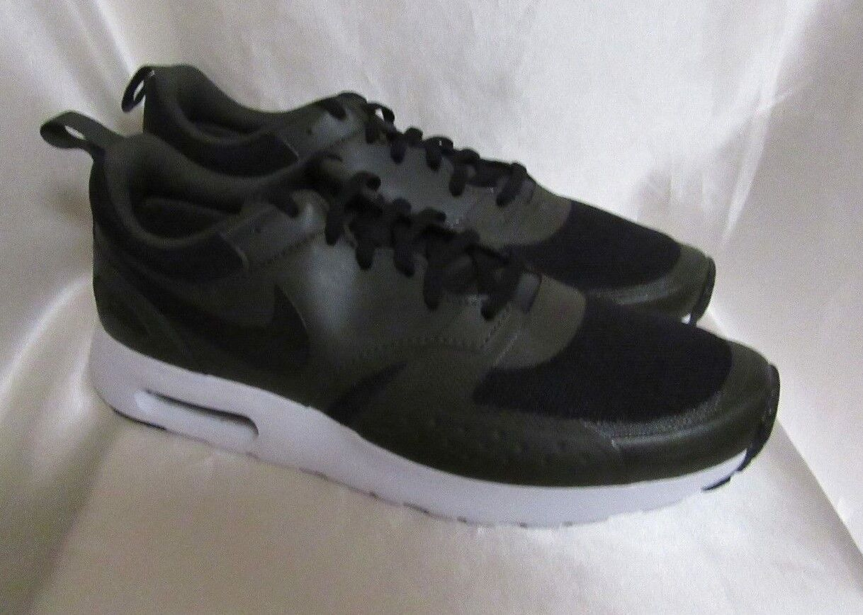 MEN`S NIKE AIR MAX VISION ATHLETIC SNEAKERS SIZE 10.5M NEW BLACK