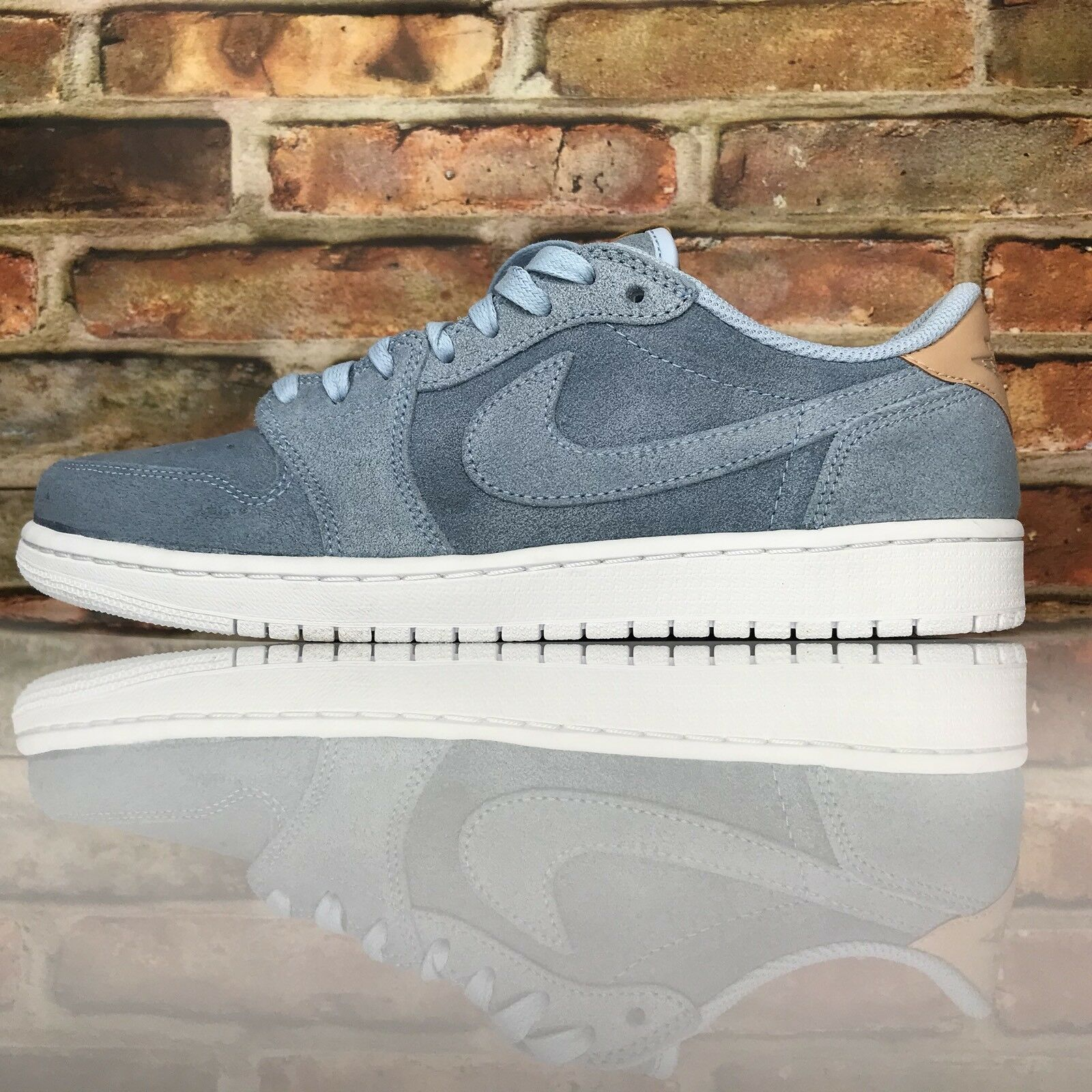 Air Jordan 1 Retro Low OG Premium Mens Size 10 Ice bluee Tan shoes 905136 403
