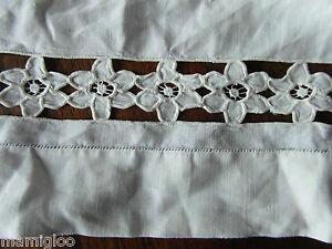 ANCIEN-bande-de-toile-tres-fine-broderie-main-87cmx30cm-3cm-OLD