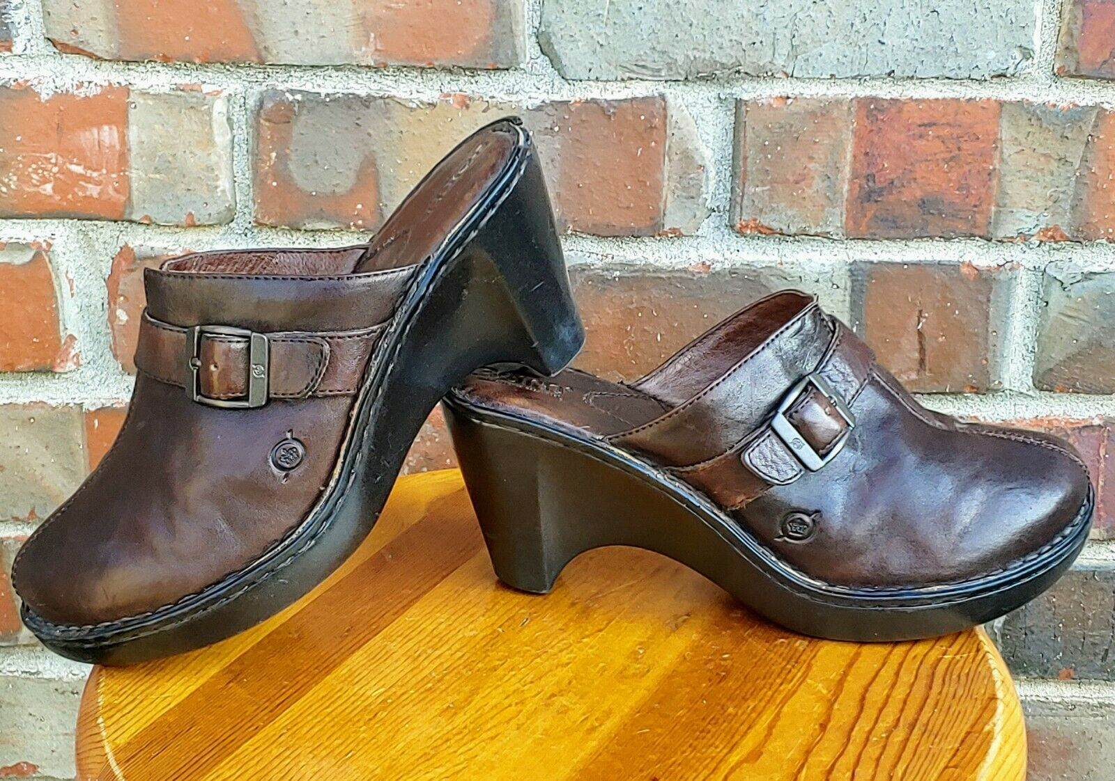 BORN Women's Brown Leather Hand Crafted Mule Slide Clogs W6226 - US 9M/EUR 40.5