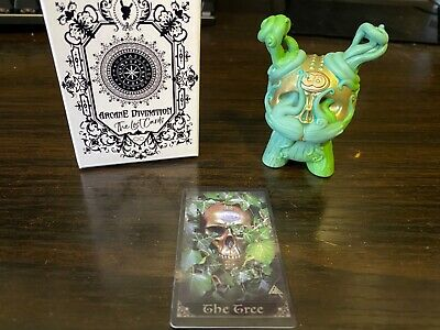 Kidrobot ARCANE DIVINATION Lost Cards Dunny Series 2 THE CLAIRVOYANT 1//40 Chase