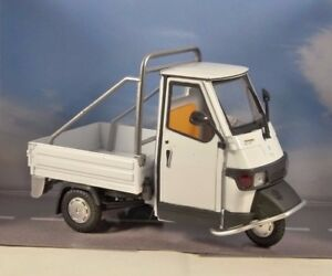 PIAGGIO-APE-Cross-50-in-approx-127-00-cm-Blanco-1-18-Escala-Modelo-Por-Newray