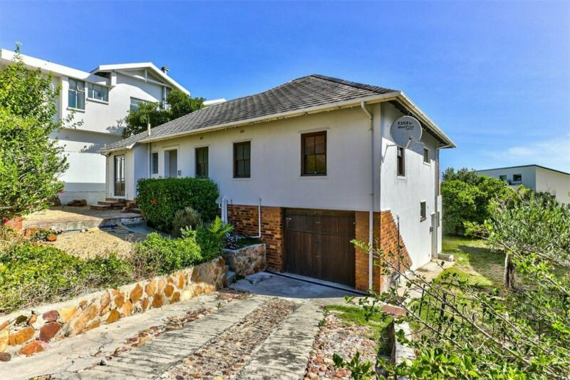 Secure your entry into Camps Bay freehold
