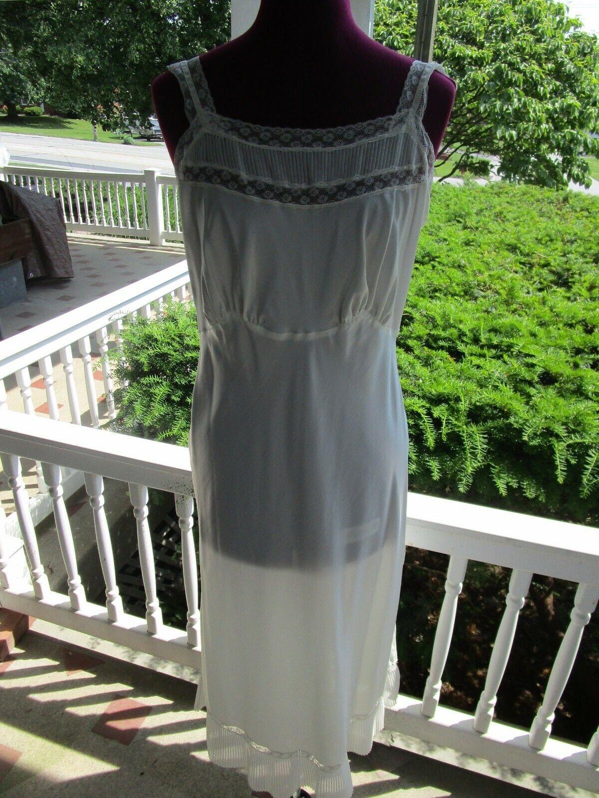 Vintage 1940s Barbizon Slip/Gown - image 1