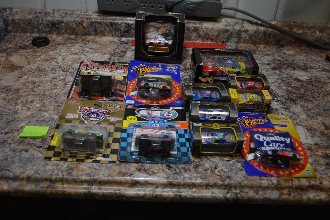 HUGE LOT OF 12 NASCAR HOT WHEELS NEW SEALED GORDON GORDON GORDON PETTY LABONTE MORE B320 09e529