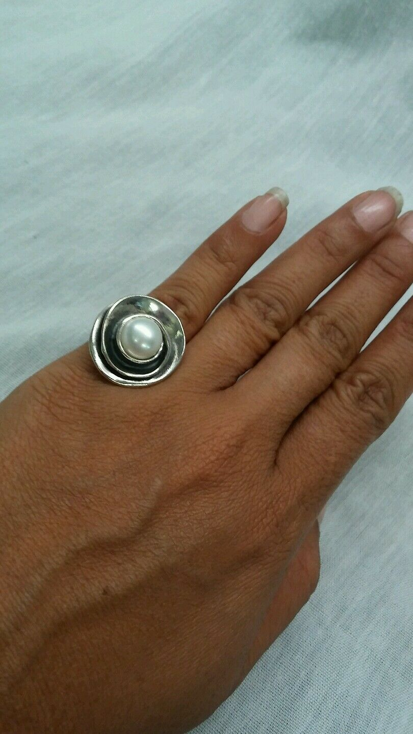 Beautiful retired Silpada modernist pearl  Sterling 925 R2121  ring size 6