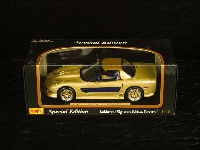 2003 Guldstrand Signature Corvette Maisto Special Edition with Display Base