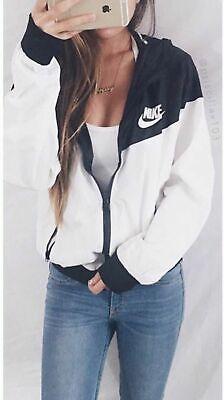 Nike Women Windrunner Windbreaker Black