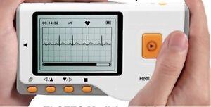 Mobiles-EKG-Geraet-Hand-Langzeit-Herzfrequenz-Infarkt-Herzschmerzen-Herzrasen