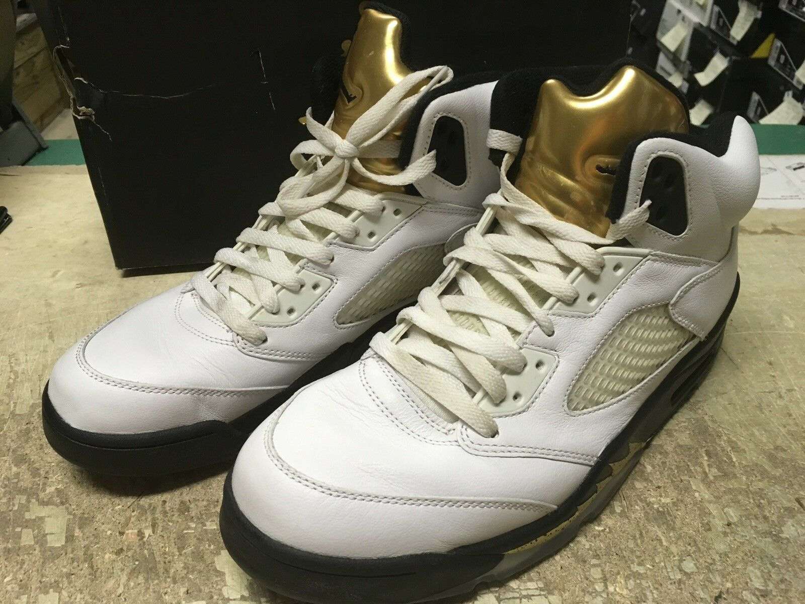 sports shoes a9f86 9f650 USED MENS NIKE AIR JORDAN V 5 RETRO WHITE WHITE WHITE GOLD COIN OLYMPIC  136027 133