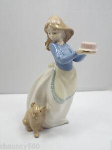 Nao Figurine With Birthday Cake