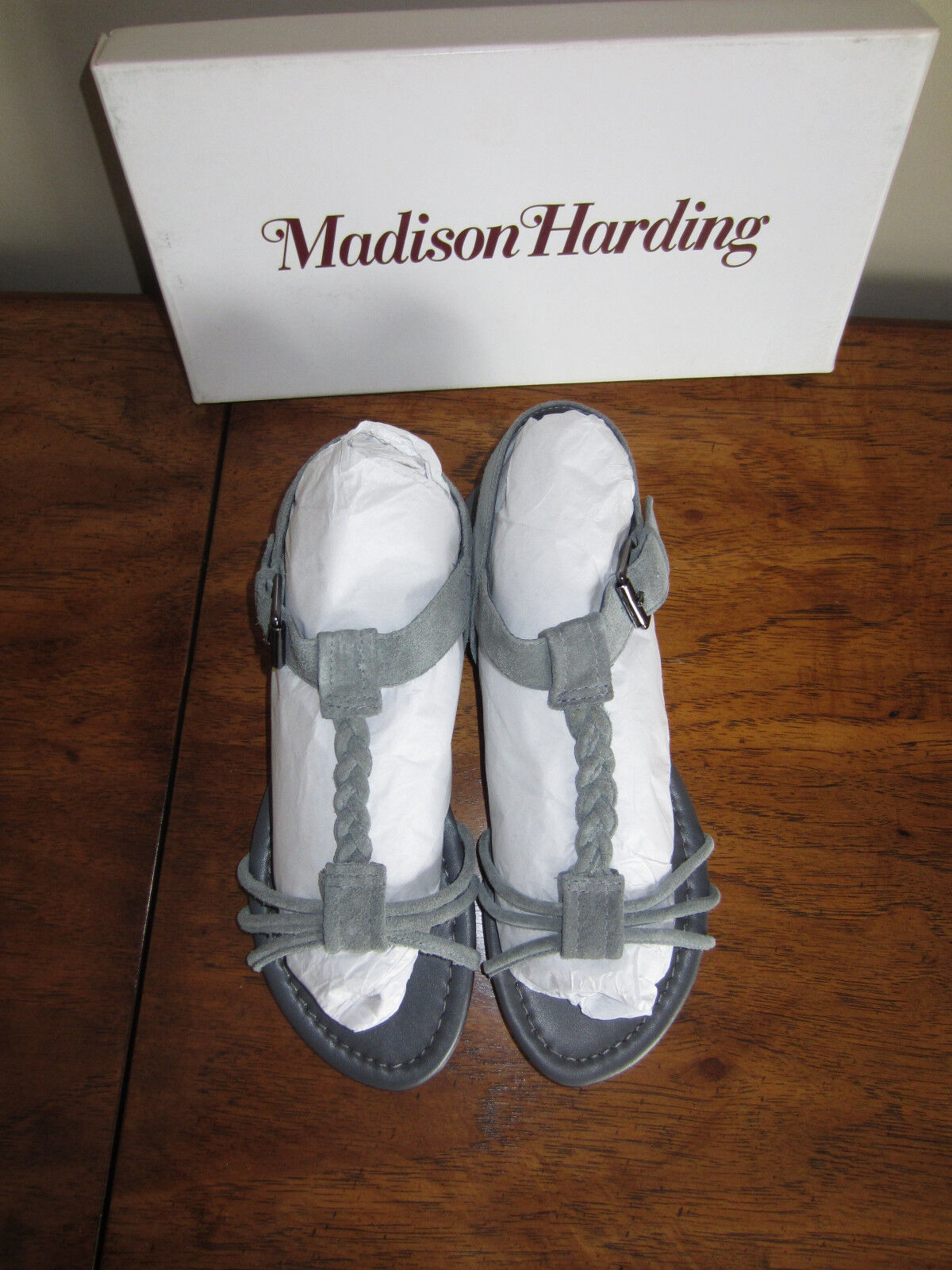 NIB Madison Harding grigio Suede Suede Suede Corrinna Leather Sandals 7 Braided Strappy Flat 3a2af7