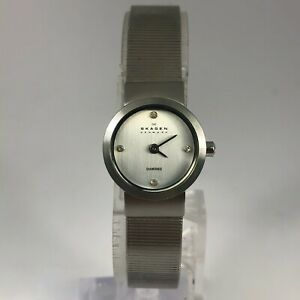 Skagen Denmark Womens 590SSSD Silver Stainless Steel Diamonds Bracelet Watch