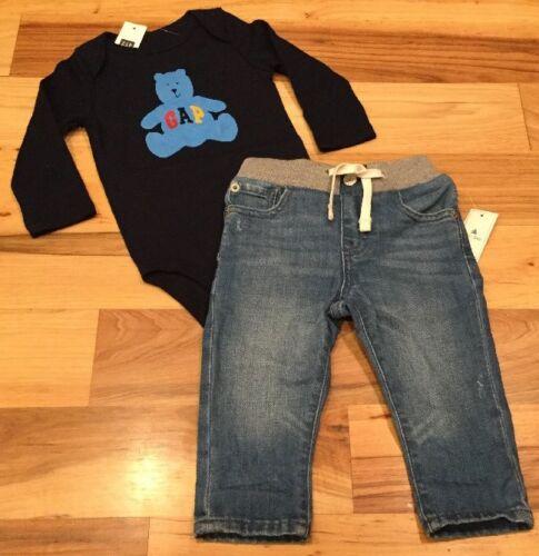 Baby Gap Boys 6-12 Months Outfit Nwt Bear GAP Logo Shirt /& Soft Denim Jeans