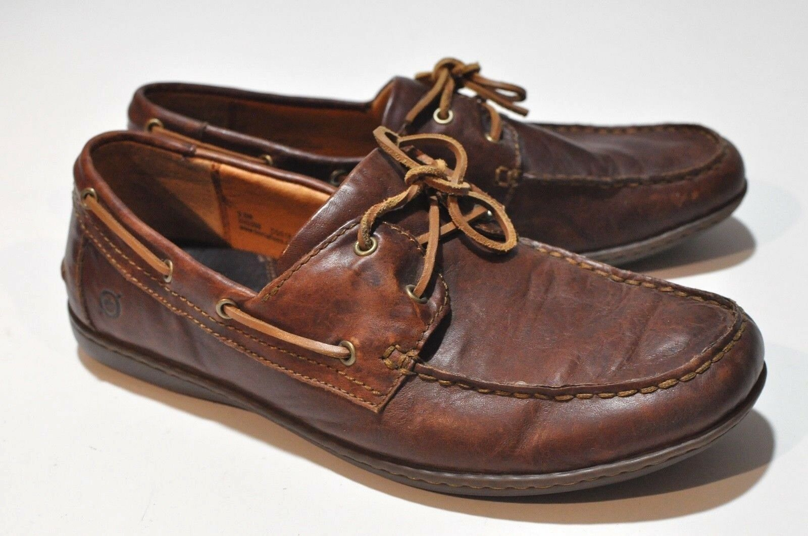 Born Mens leather boat shoes size 9.5